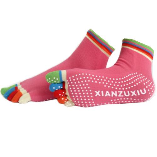 Women's Non Slip Full Toe Yoga Socks With Grip 2 Pairs Set,Rainbow Toe/Rose Red