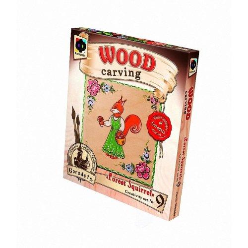 Elf706009 - Fantazer - Wood Carving - Forest Squirrel